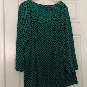 Women's dress shirt with geometric design